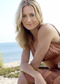 In The O.C. as Kirsten Cohen